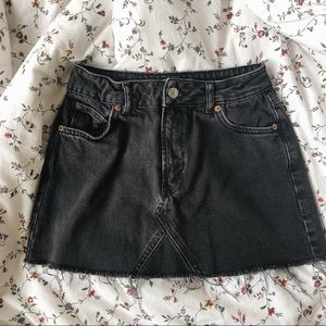TOPSHOP Petite Moto Black Denim Skirt - US6/UK10